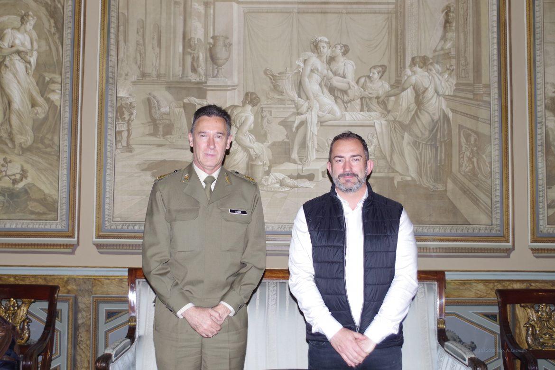 Reunión Politeia con la Capitanía General